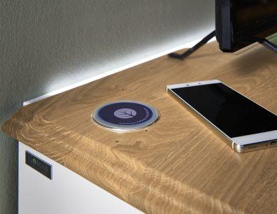 Qi-Wireless Ladestation TV-Bank TV-Lowboard